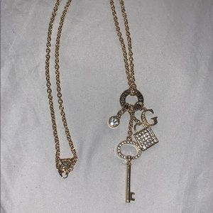 Accessories - Guess necklace never worn